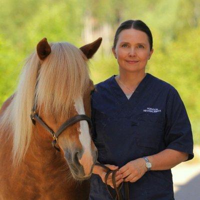 Eläinlääkäri Leena Karma luennoi hevosten modernista hammashuollosta 24.10.2020 klo 13.-15.00. 🦷🐴. Luennolla perehdytä...